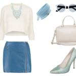 Stylizacja z niebieską skórzaną spódnicą